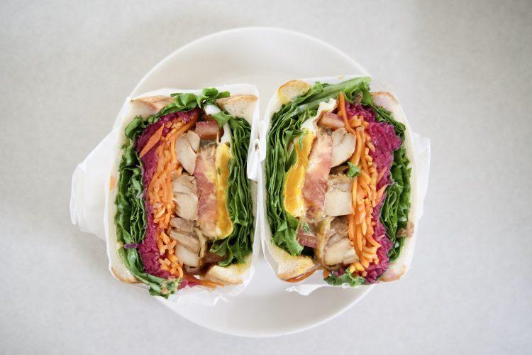 <small>〜パン屋さんのサンドイッチ〜</small><br> 彩り鮮やかなボリュームサンドイッチ 八ヶ岳オクテット「奏」食パンのオクテットサンド