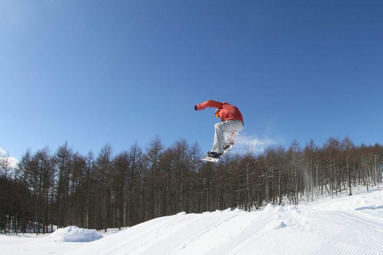 【2020八ヶ岳・蓼科・白樺湖のスキー場】営業開始日、早割チケットなど。エコーバレーは今季営業停止。